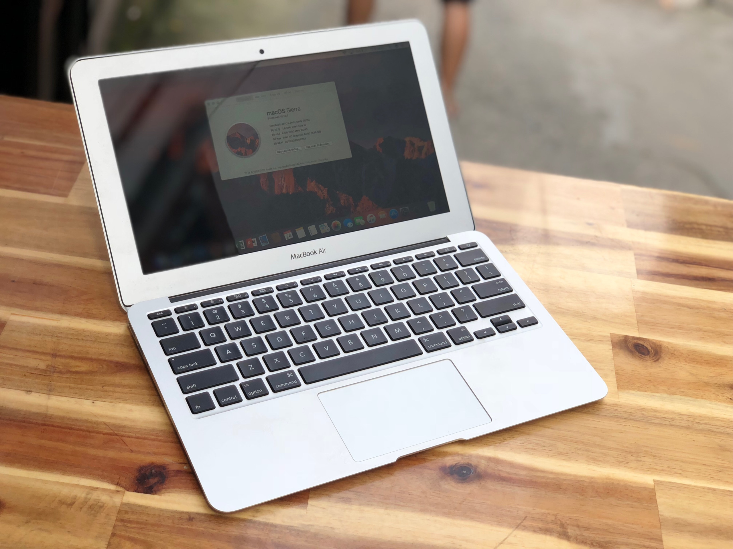 Macbook Air 2015 11in, i5 4G SSD128 Pin Khủng 5-10h Đẹp zin 100%2