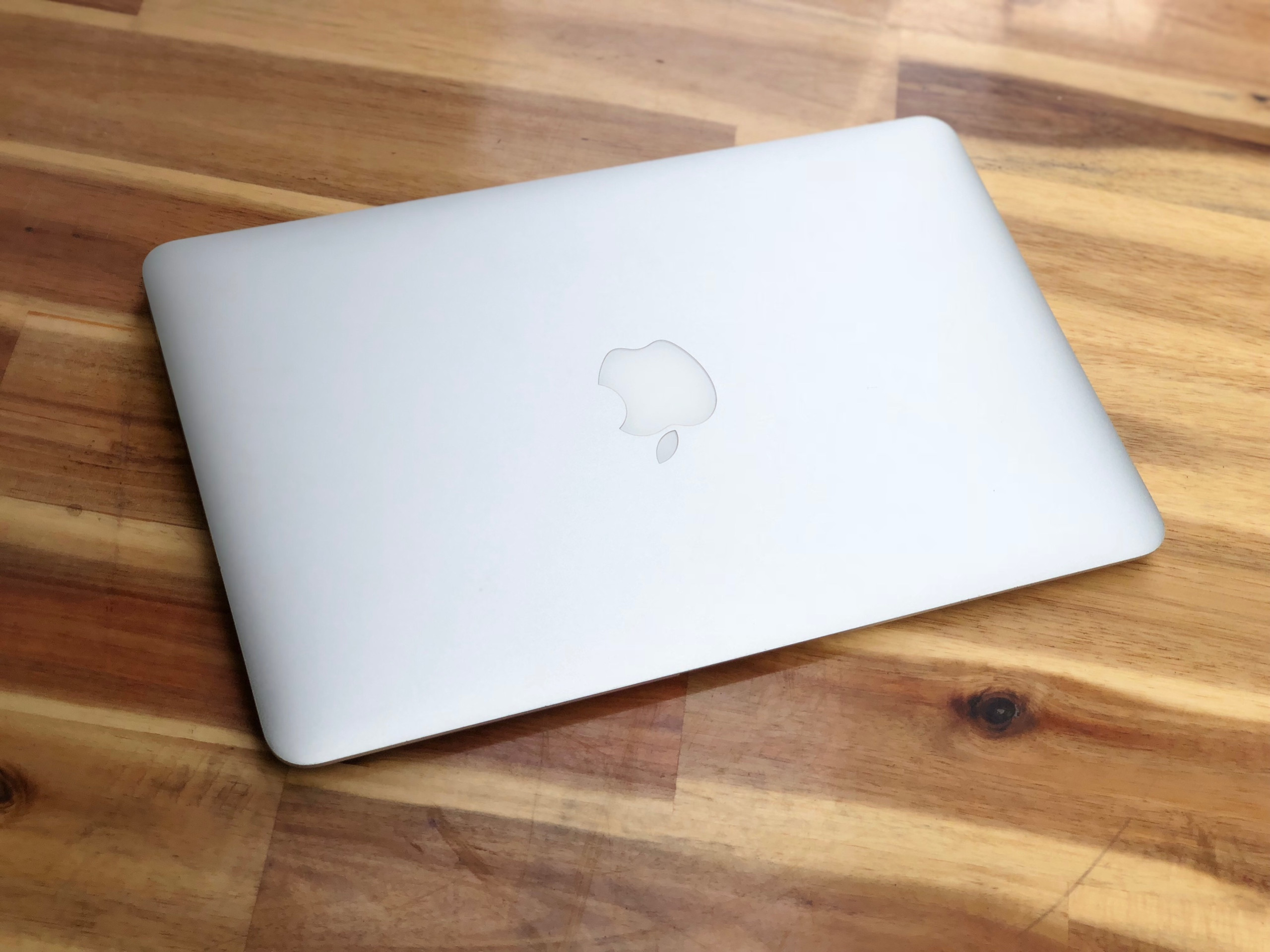 Macbook Air 2015 11in, i5 4G SSD128 Pin Khủng 5-10h Đẹp zin 100%4