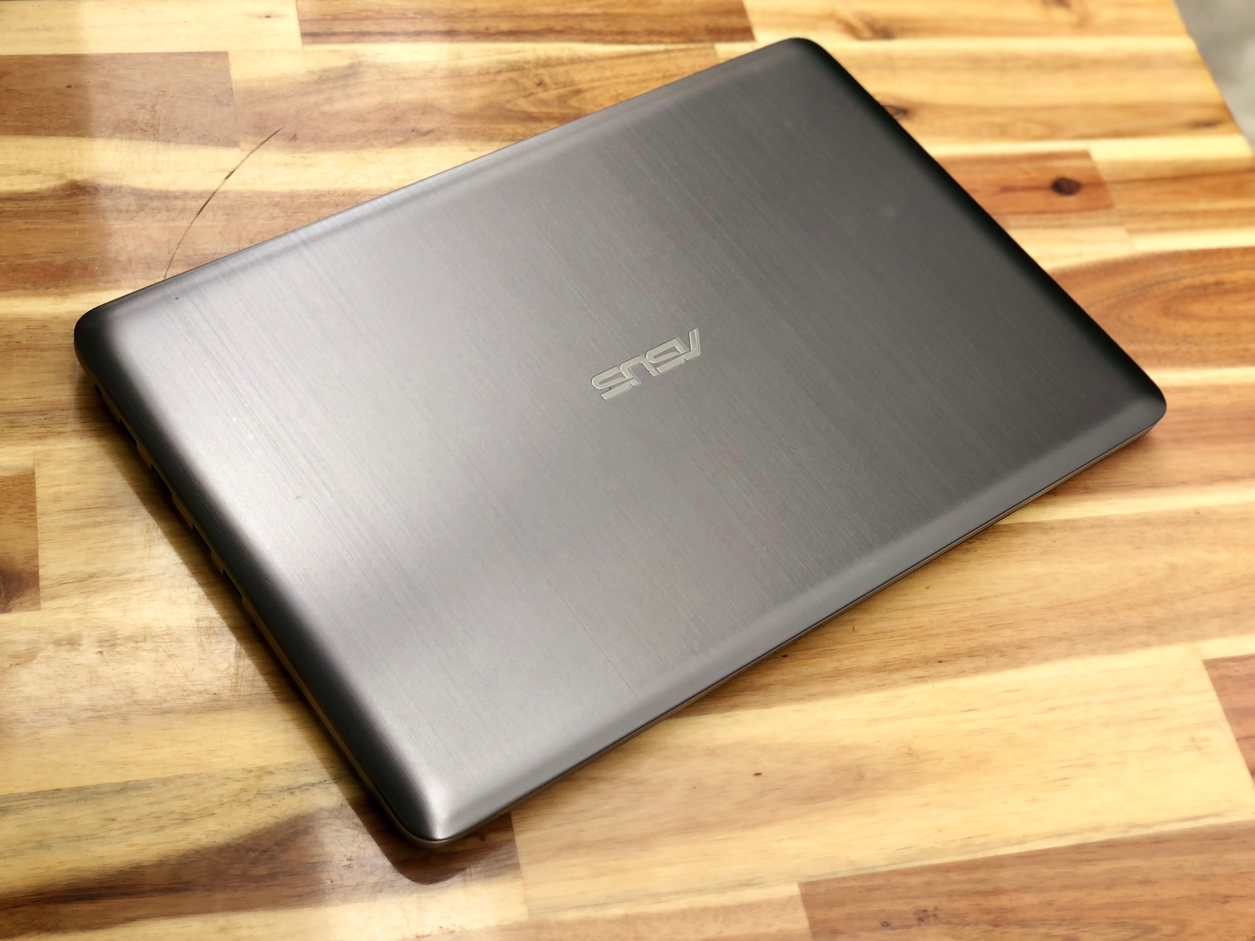Laptop Asus K501LB, i5 6200U 4G 1000G Vga 940M Full HD Like new Giá rẻ3