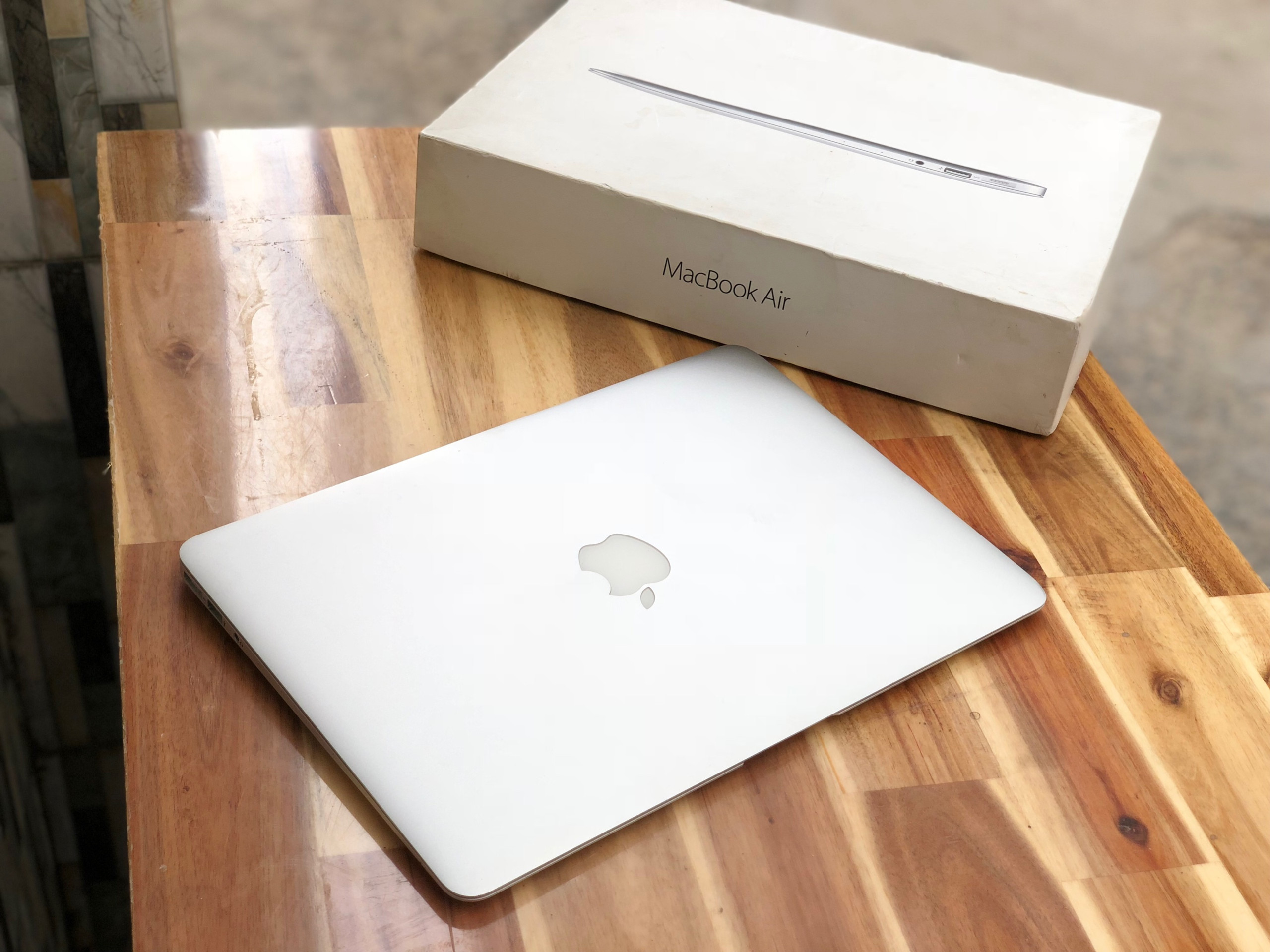 Macbook Air 2016 13in, i5 8G SSD256 Pin Khủng 5-10h Đẹp zin 100%4