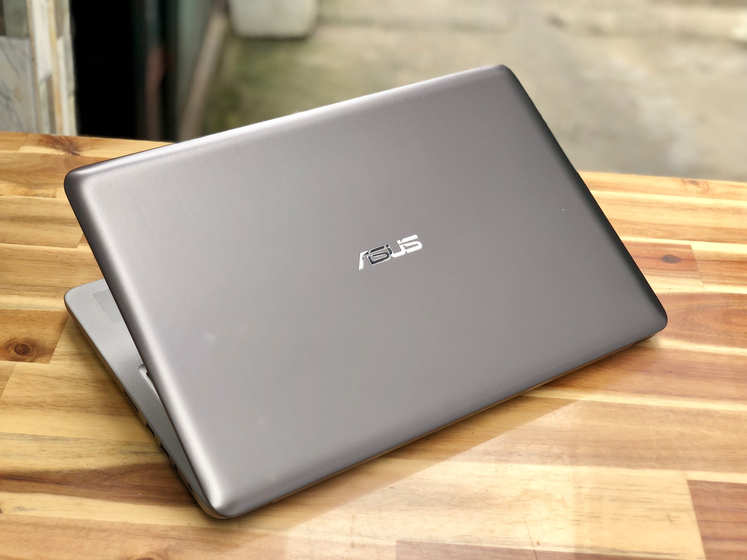Laptop Asus K501LB, i5 6200U 4G 1000G Vga 940M Full HD Like new Giá rẻ